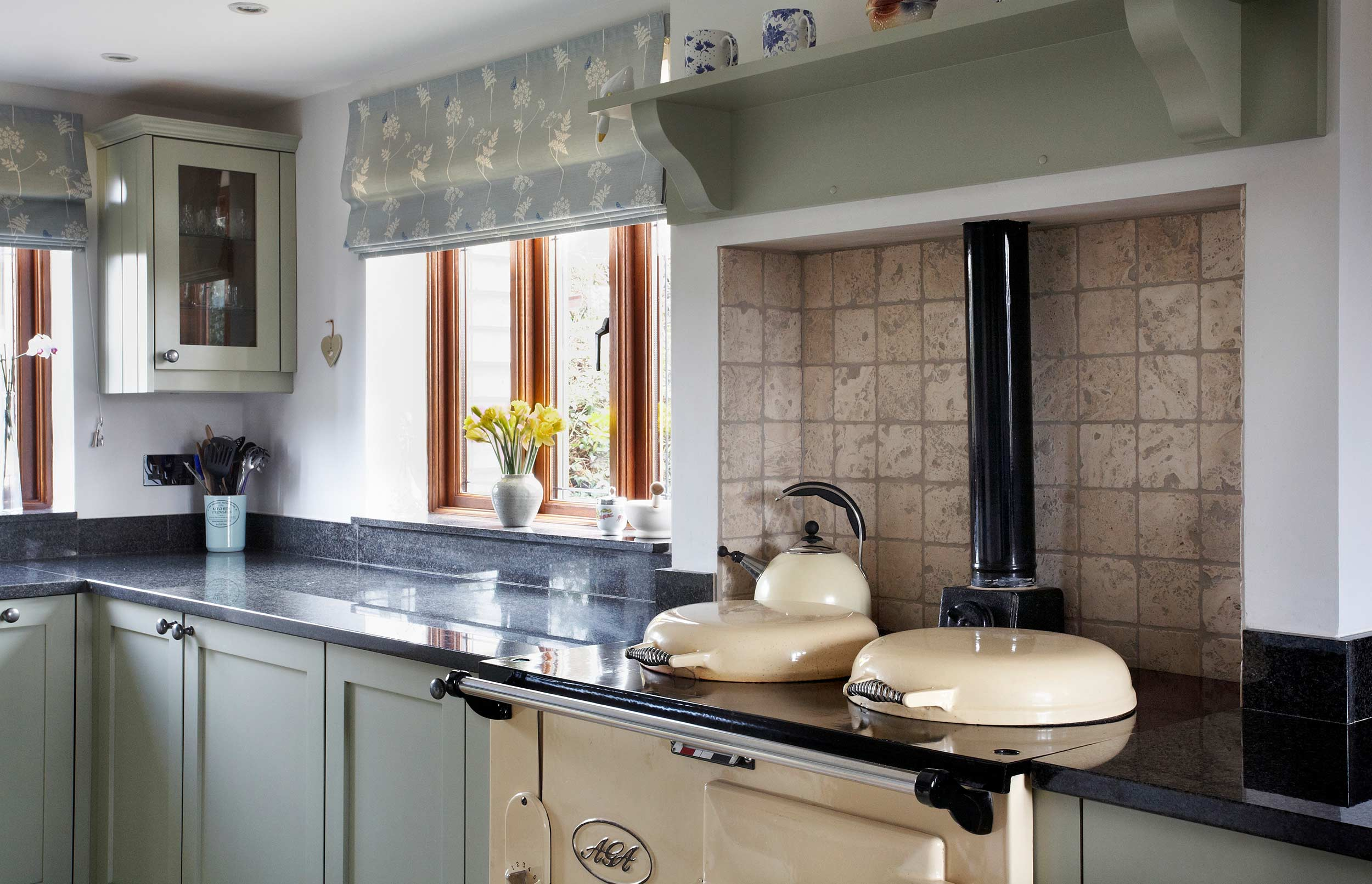 Cosy Bespoke Kitchen with Range Cooker