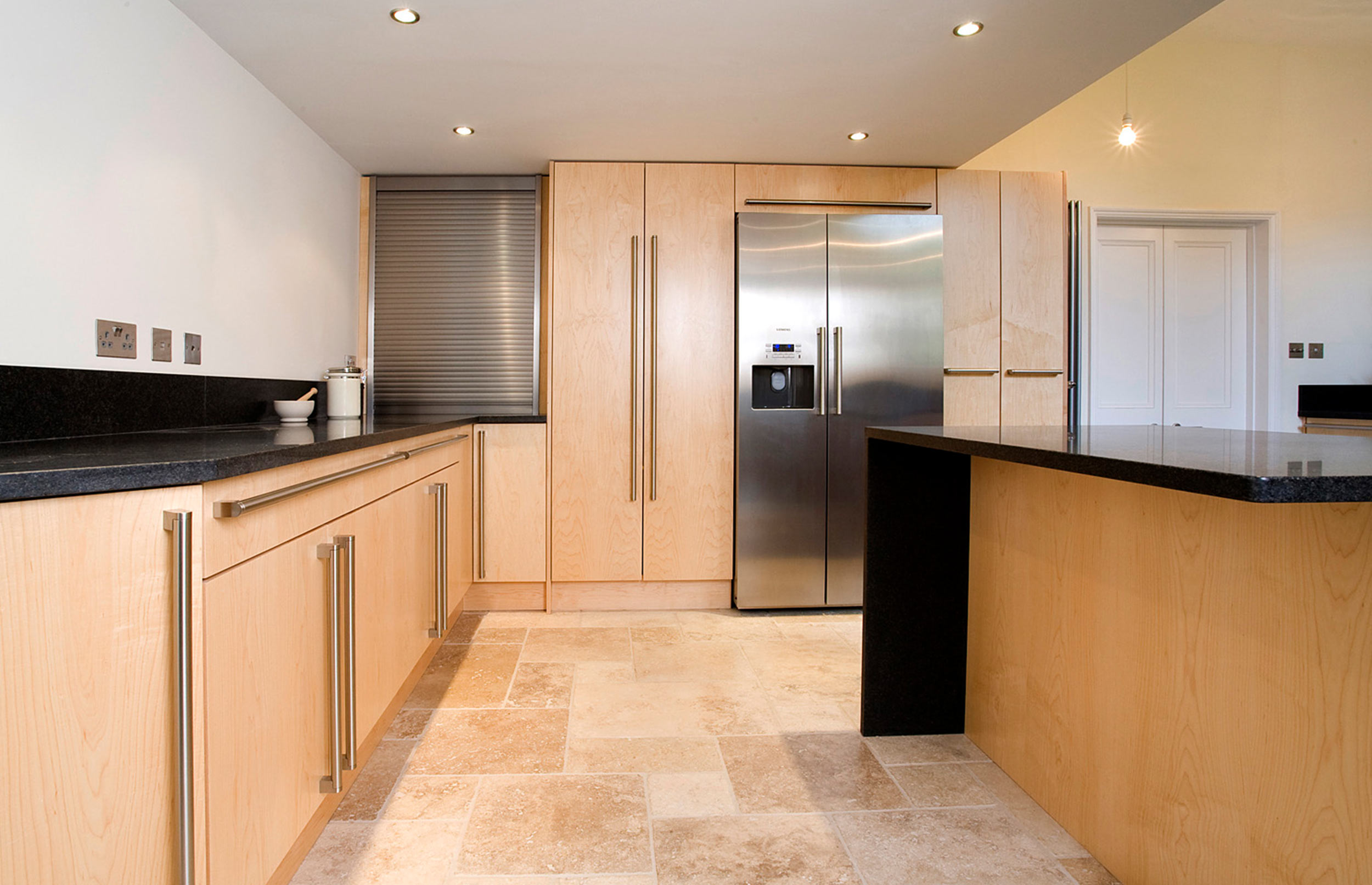 Contemporary Bespoke Kitchen for a City Property - alternative view