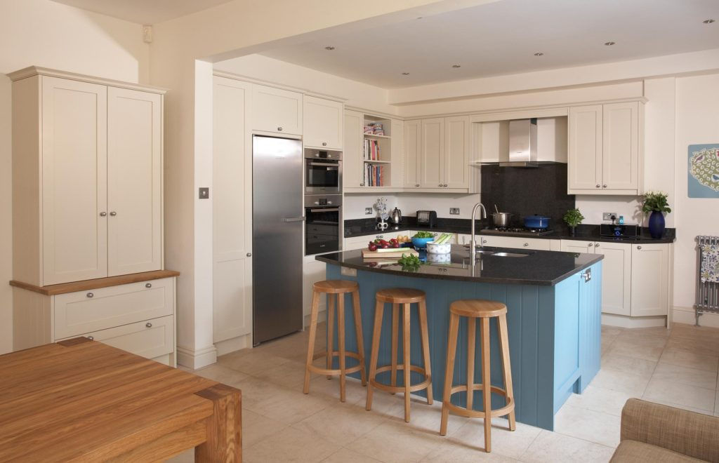 Family Bespoke Kitchen with Island, Stools and Hob in View
