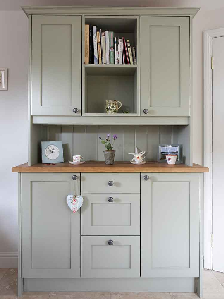 Bespoke costy country kitchen dresser