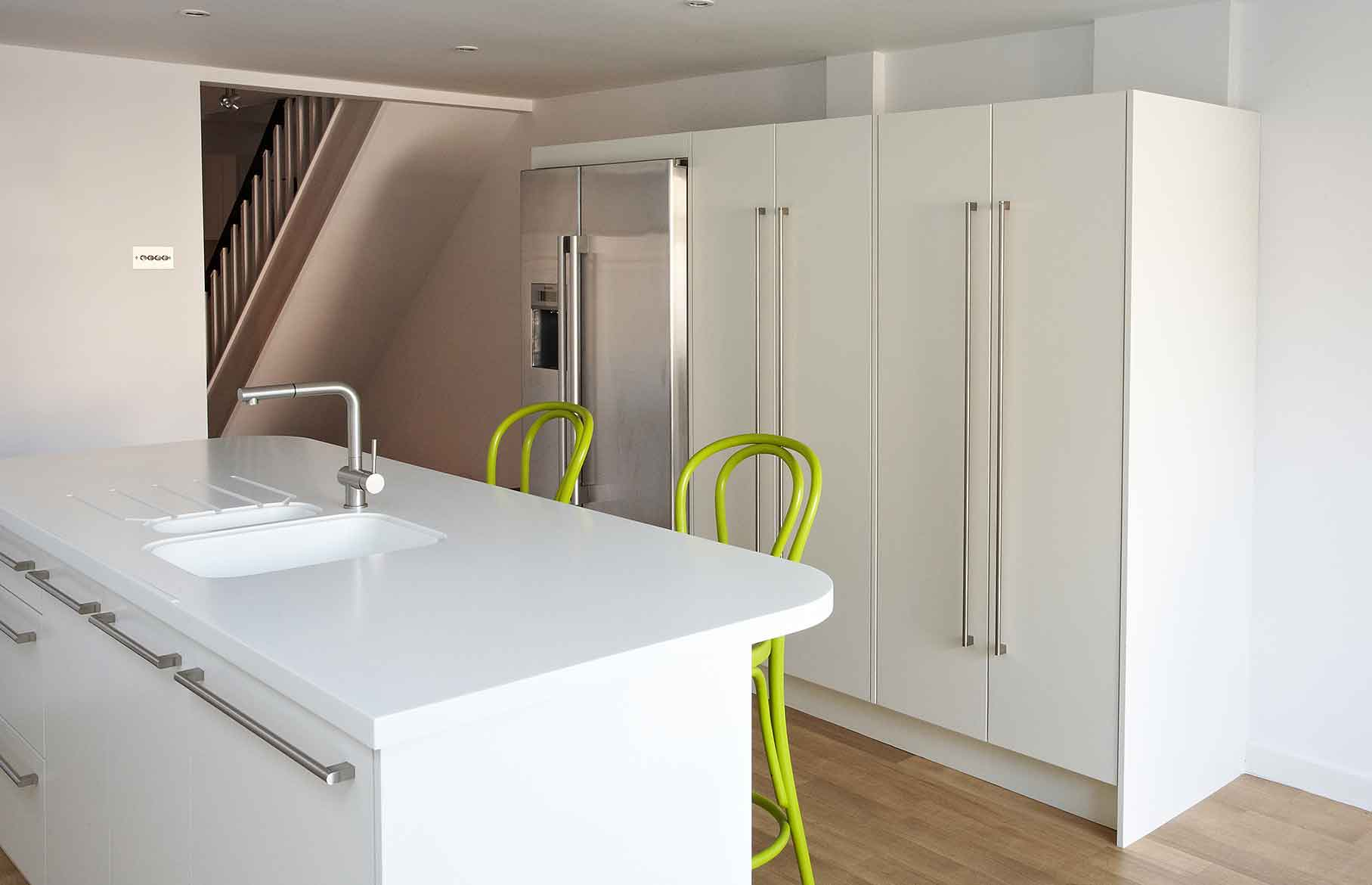 Pure bespoke contemporary kitchen