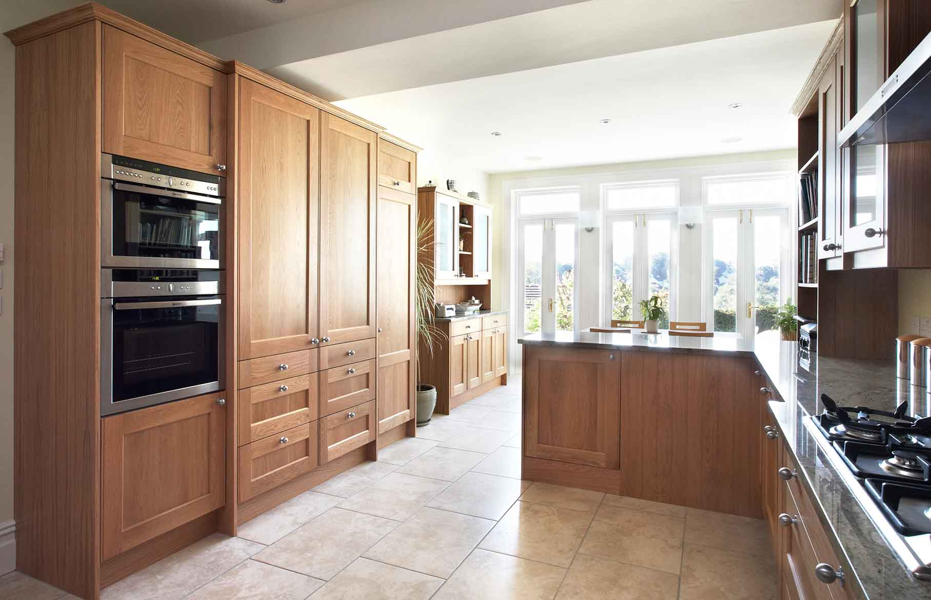 Stately kitchen - Grandeur by the bucketload