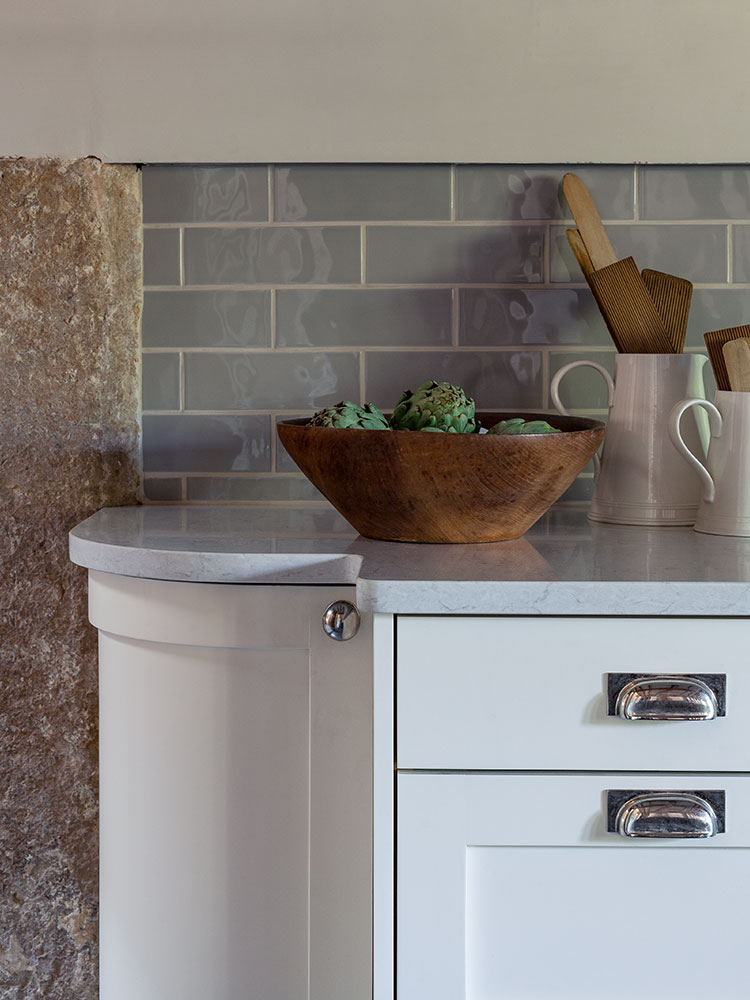 Bespke country kitchen worktop detail