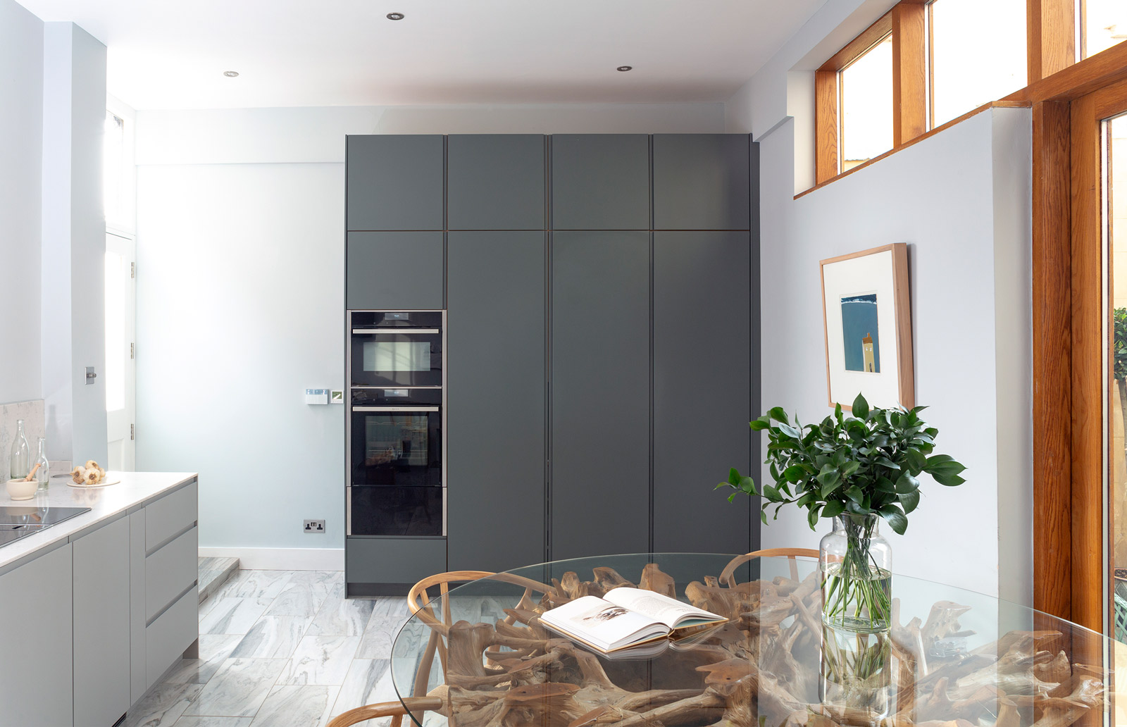 Understated minimal bespoke kitchen